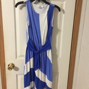 vineyard vines blue and white dress size XS.